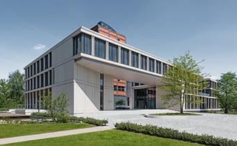 Architekturbeton-Fertigteile mit gesäuerter Oberfläche