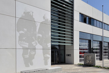 Fire and emergency rescue station, Langenfeld (Foto: BetonBild)