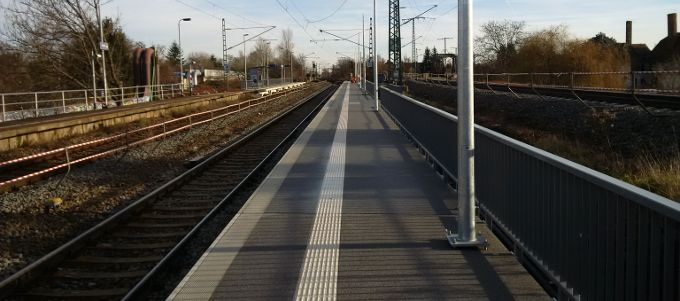Expansion of a Hering railway platform at the Halle