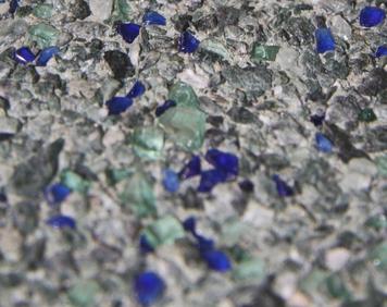 Béton architectural à granulats de verre coloré (photo: BetonBild)