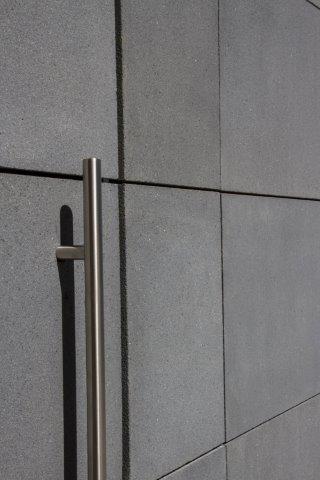 Nieuw gezondheids en opleidingscentrum van de groz beckert groep met gevel van betoshell - Bekleed beton ...