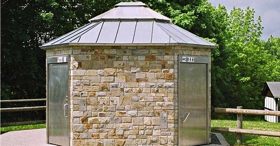 Toilet Facility for Cemeteries in Winterberg